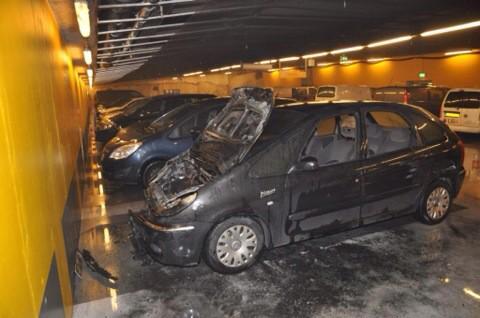 Sprinklerinstallatie controleert parkeergaragebrand Arnhem
