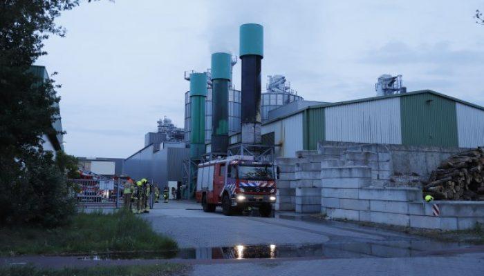 Sprinklers blussen brand houtverwerkingsbedrijf in Venray