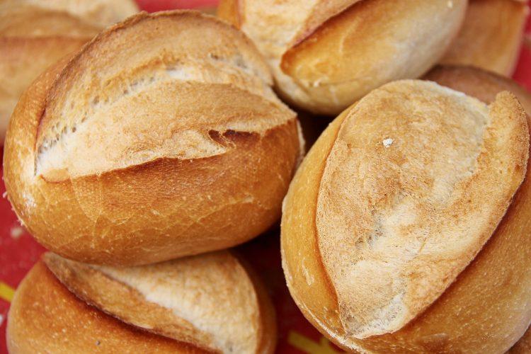 Sprinklerinstallatie blust brand bij producent afbakbroodjes