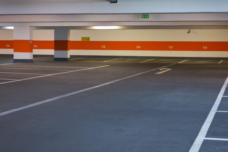 Sprinklers blussen brand parkeergarage Rotterdam